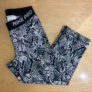 Nike Pro Black & White Print Leggings